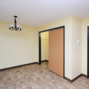 Dining & Two-Sided Closet