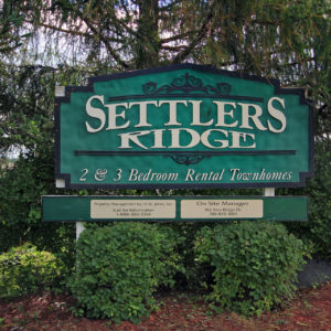 Settlers Ridge Townhomes Sign