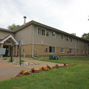 Pinewood Manor Apartments