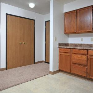 Entry & Closet